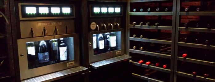 Half Cork'd - Premium Wine Beer and Bubbles is one of Venues.