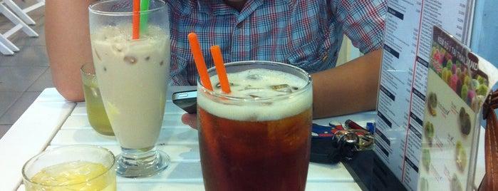Yours Tea is one of quê hương.