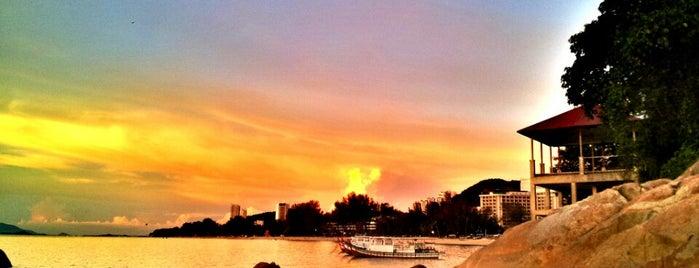 Batu Ferringhi Beach is one of All-time favorites in Malaysia.