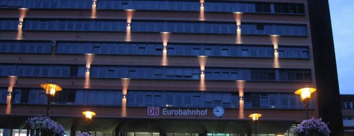 Saarbrücken Hauptbahnhof is one of Bahnhöfe Deutschland.