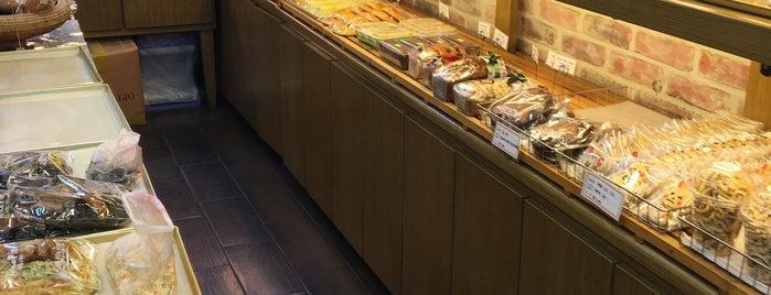 이에나파이 is one of Bread.