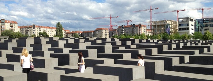 Memorial to the Murdered Jews of Europe is one of Berlijn Buiten.