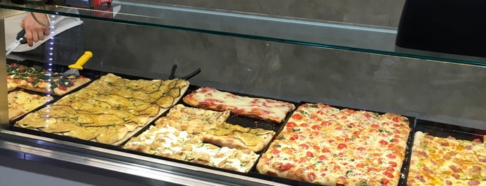 Da Tullio Pizza is one of Rome | Street Food out-of-street.