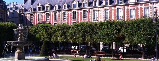 Place des Vosges is one of Paris.