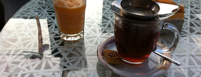 Cafe Crown is one of Acibadem Tips.
