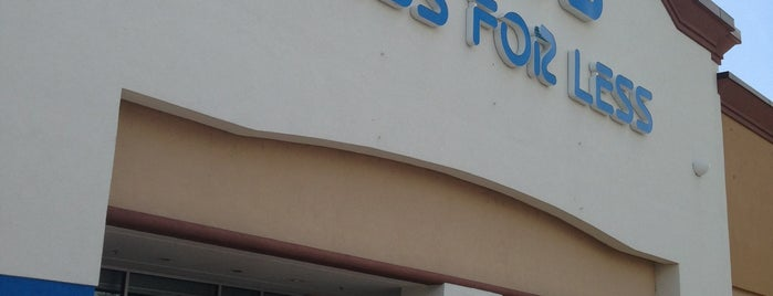 Ross Dress for Less is one of Orlando compras.