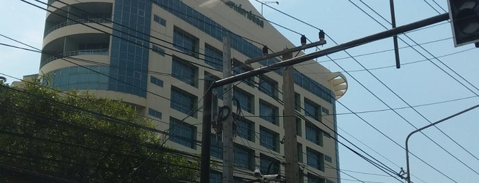 Krung Siam St.Carlos Medical Centre is one of Bangkok.