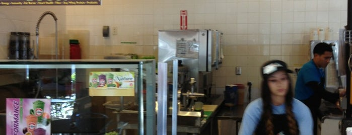 Robeks Fresh Juices & Smoothies is one of David & Dana's LA BAR & EATS!.
