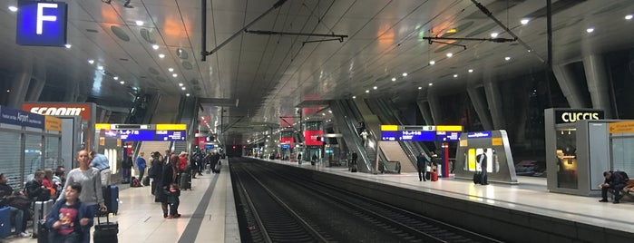 Frankfurt Airport Int'l Railway Station is one of Airports & Train stations.