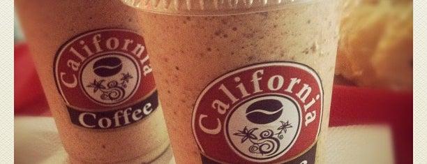 California Coffee is one of Lugares favoritos para um dia de chuva....