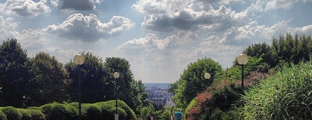 Parc de Belleville is one of Paris // For Foreign Friends.