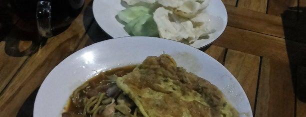 Rumoh Aceh (Masakan Khas Aceh) is one of Best Streetfood in Bali.