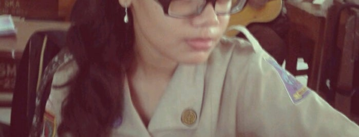 XI IPA 5 SMA Negeri 4 Surakarta is one of Nerd.