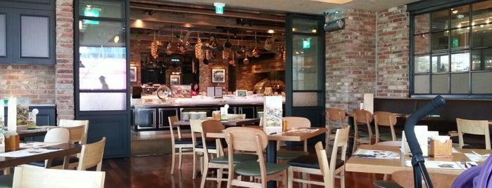 빕스 (VIPS) is one of 판교 Place..