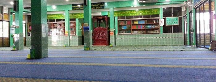 Masjid Jamek Pagoh is one of masjid.