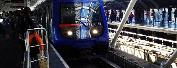 Estação Santo Amaro (Metrô) is one of Rotina.