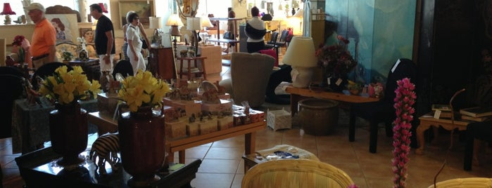 Delray Beach Antique Mall is one of Delray.