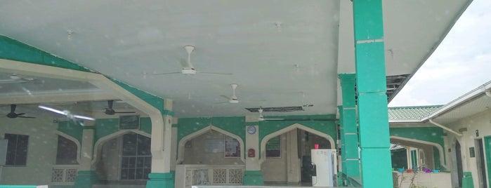 Masjid At-Taufiqiah is one of masjid.