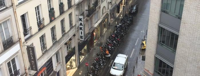 Le Camping is one of Bureaux à Paris.