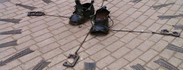 Ботинки безымянного дачника is one of Интересное в Питере.