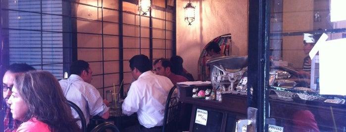 Café Amano is one of Comida japonesa y más.