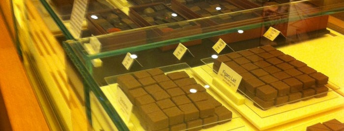 La Maison du Chocolat is one of bakeries.