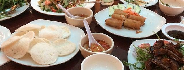 Que Huong Restaurant is one of HOU Asian Restaurants.