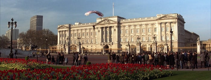 Buckingham Palace is one of Die Another Day (2002).