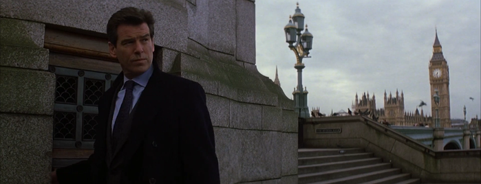 The South Bank Lion is one of Die Another Day (2002).