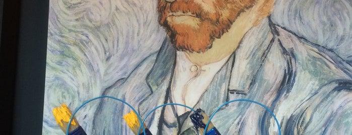 Van Gogh Bar is one of когда не знаешь куда идти.