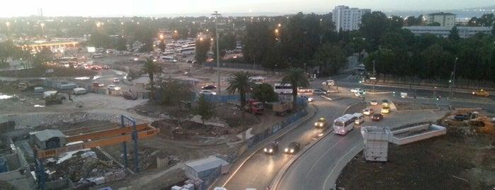 Fahrettin Altay Meydanı is one of Veni Vidi Vici İzmir 1.