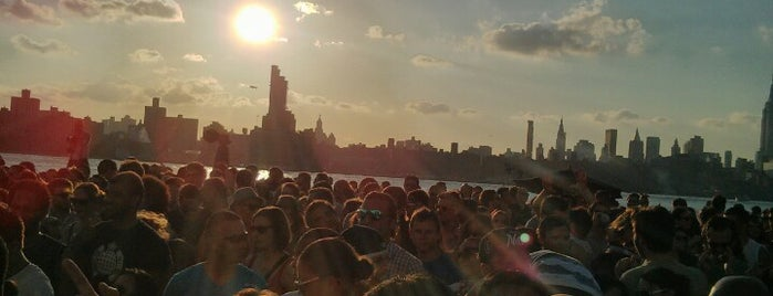 Williamsburg Waterfront is one of Brooklyn To-Do List.