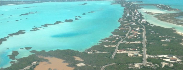 Aeropuerto Internacional de Providenciales (PLS) is one of Airports been to.