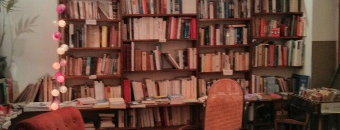 Le Café Livres is one of To Shop (Books).