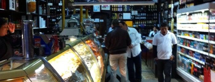 Casa Godinho is one of Compras.