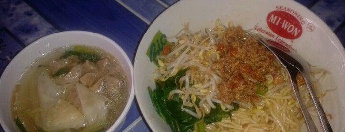 Mie Ayam Bangka Pak Harun is one of Must-visit Food in Yogyakarta.