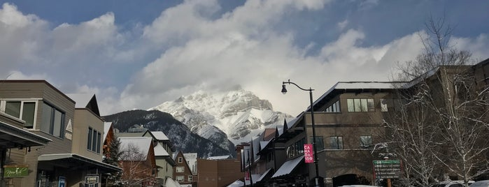 Town of Banff is one of 주변장소5.
