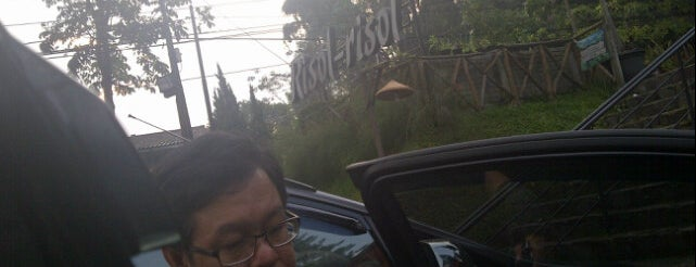 Risol-Risol (House of Resoles) is one of Bandung ♥.