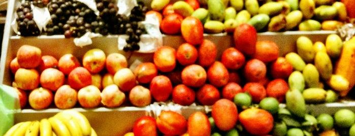 莉莉水果店 Lily Fruits Store is one of Tainan My Hometown.