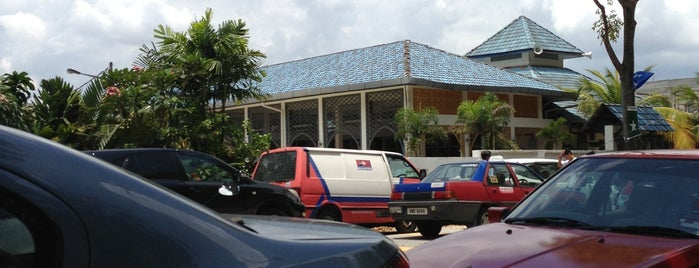 Masjid As-Syakirin is one of masjid.