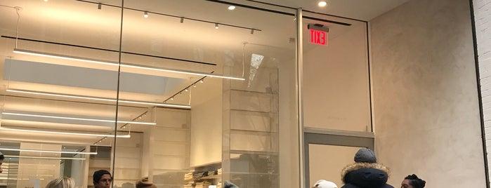 Everlane Store is one of Manhattan.