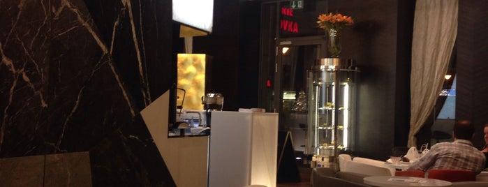 J&T Café is one of Týden kávy 2012.