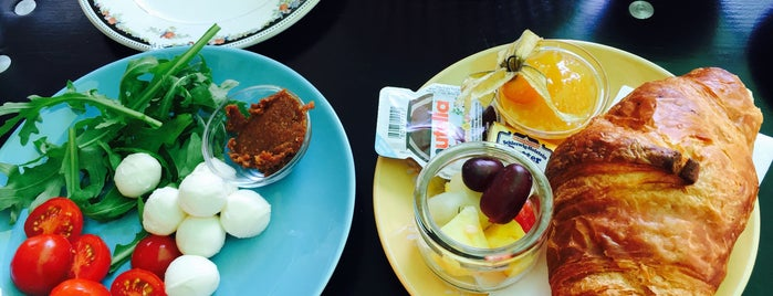 Gretchens Zuckerbude is one of das frühstück.