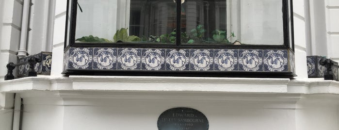 18 Stafford Terrace is one of 1000 Things To Do In London (pt 2).