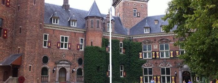 Nyenrode Business Universiteit is one of Lezinglocaties.