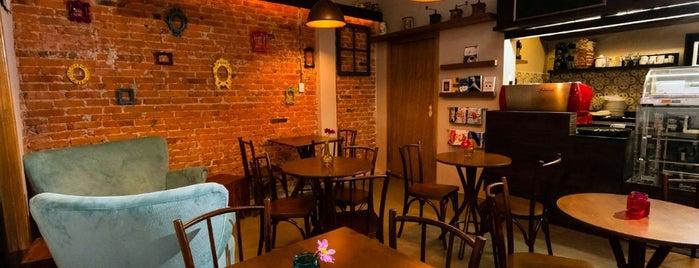 Café República is one of Café & Boulangerie.