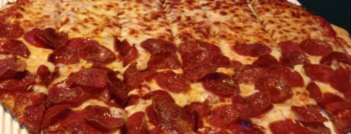Benny's Pizza is one of Columbus Pizza.