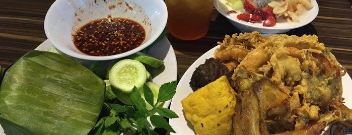 Warung Nasi Ampera, BSM is one of Bandung's Legendary Eateries.