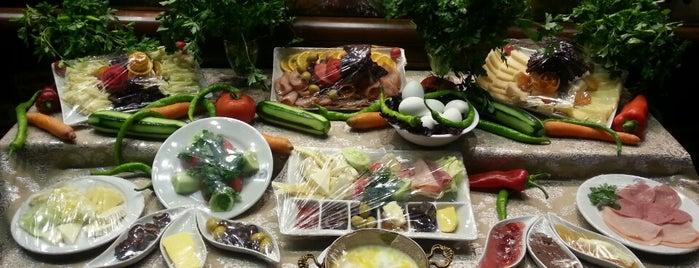 Hangah Restaurant Karadeniz Mutfağı ve Osmanlı Mutfağı is one of Temmuz 7 2017.