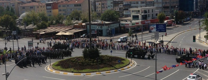 Vatan Caddesi is one of yeni yerler.